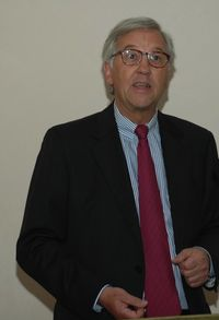 Dr. Michael Witter